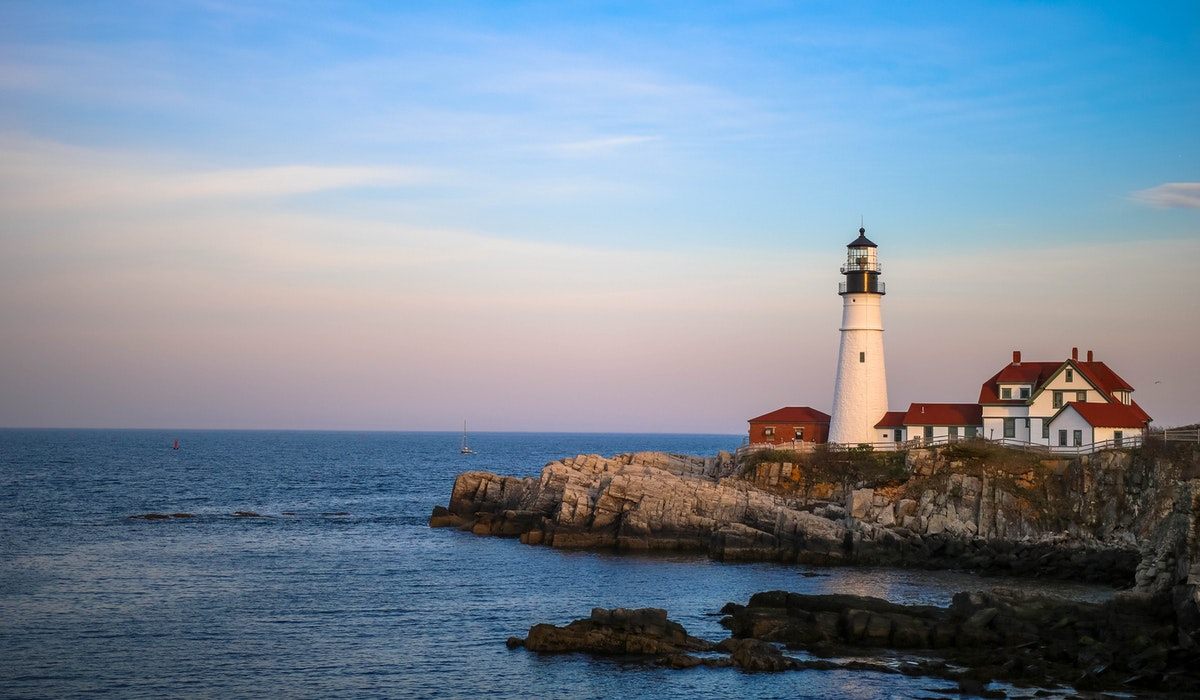 best place to view lighthouses in maine | Tentrr